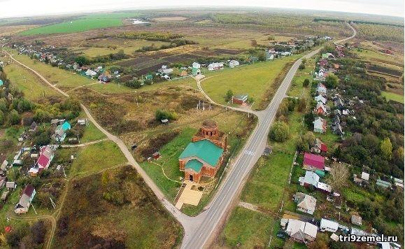 Село Мокрый Корь и часть Три-9-земель слева от большого зеленого поля вверху